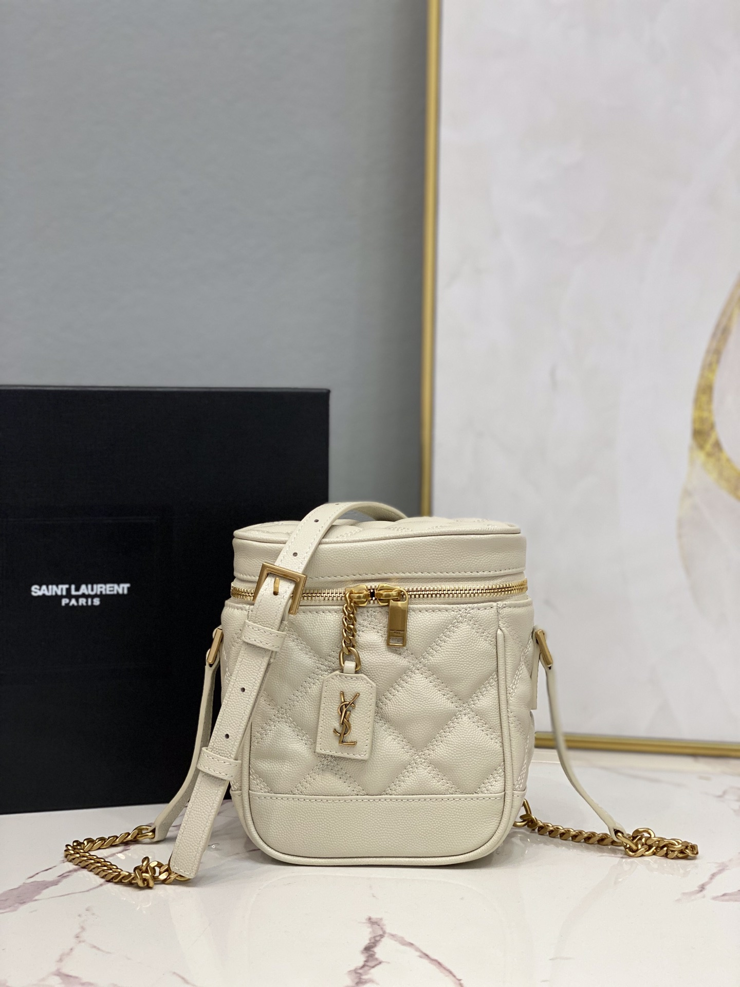 2021 Saint Laurent 80's vanity bag in carre-quilted grain de poudre embossed leather white