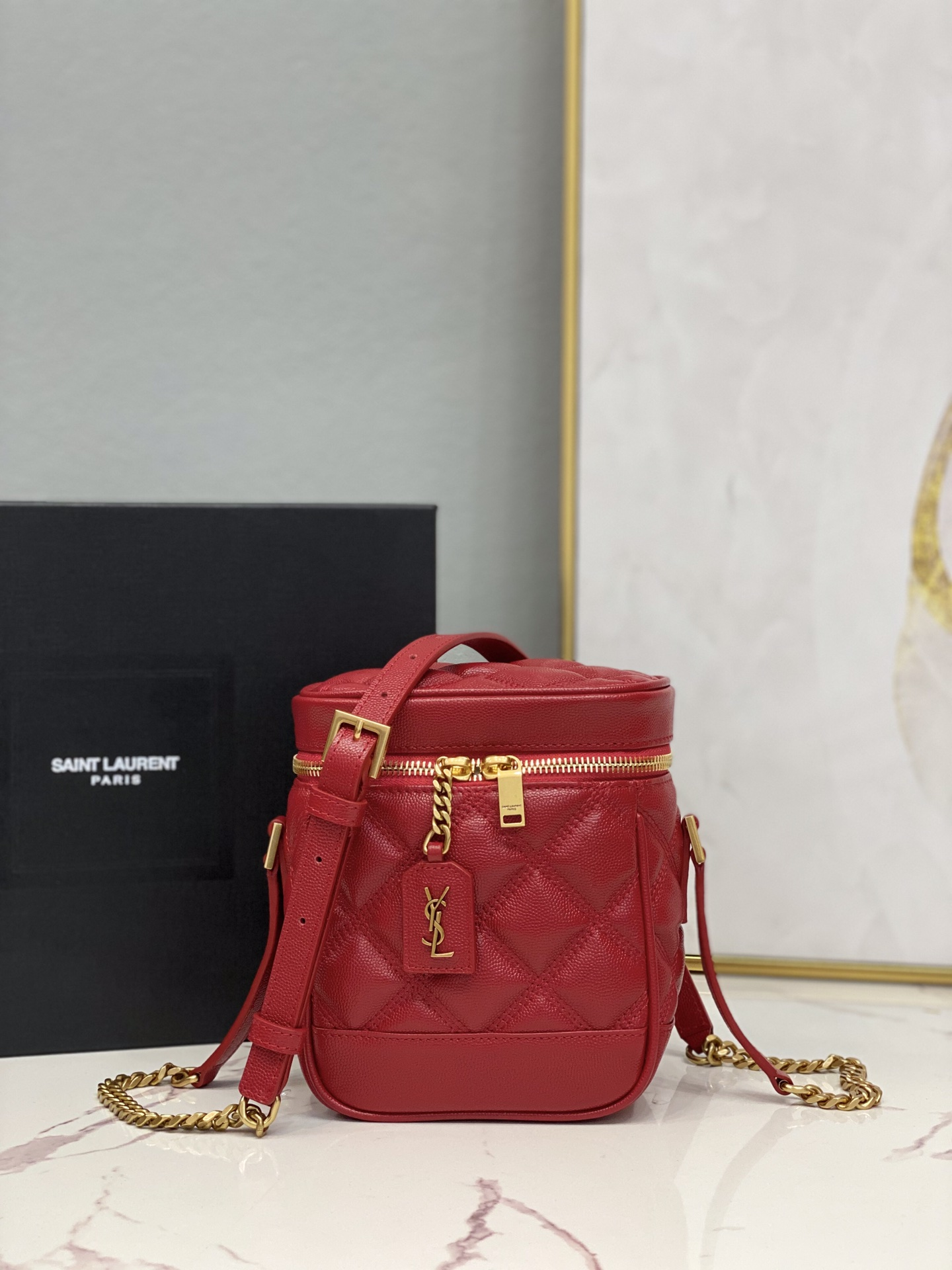 2021 Saint Laurent 80's vanity bag in carre-quilted grain de poudre embossed leather red