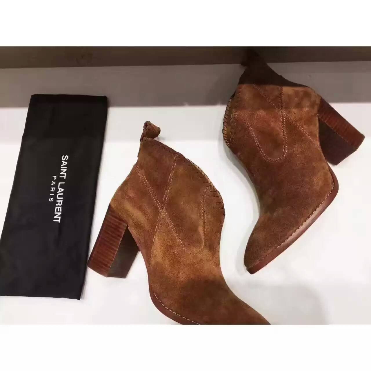 New Saint Laurent V-neck pumps brown