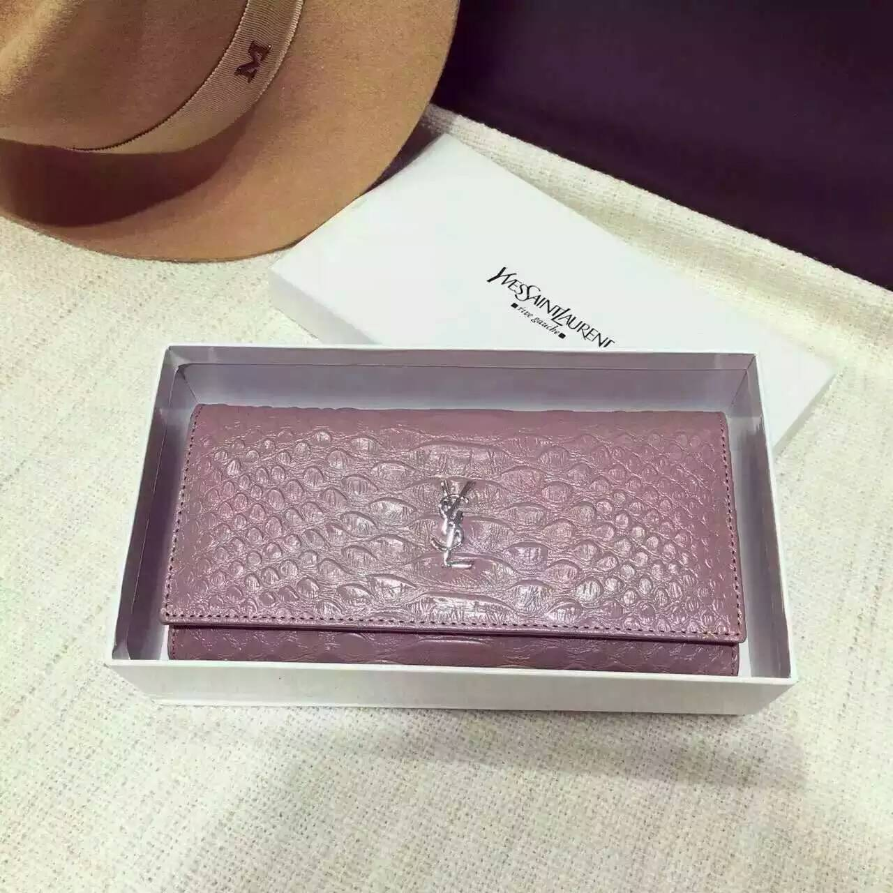 Limited Edition!2016 New Saint Laurent Small Leather Goods Cheap Sale-Saint Laurent Clutch in Pink Python Embossed Leather