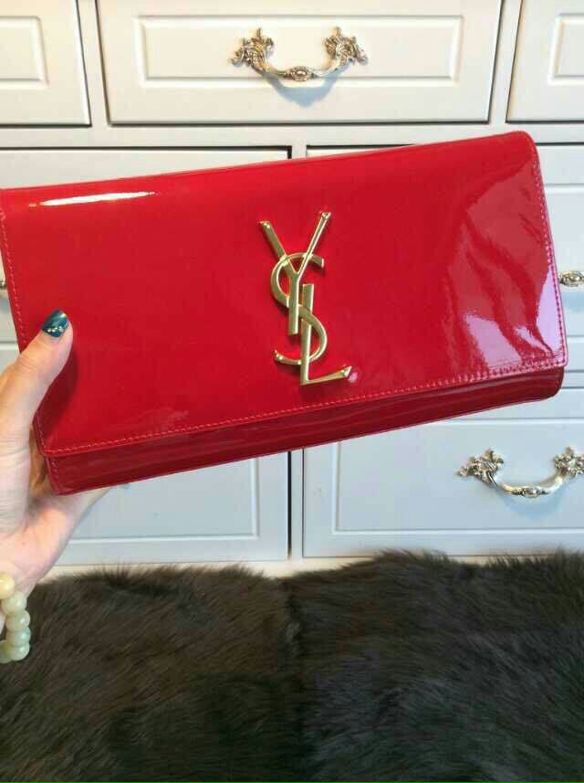 YSL 2015 Fashion Show Collection Outlet-Saint Laurent Clutch in Red Patent Leather with Interlocking Metal YSL Signature