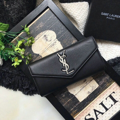 Classic Saint Laurent Leather Wallet in Black